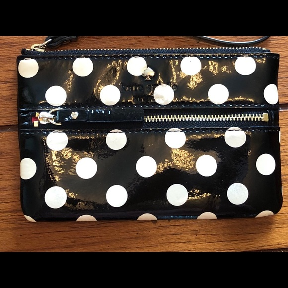 kate spade Handbags - Kate Spade ♠️ polka dot wristlet